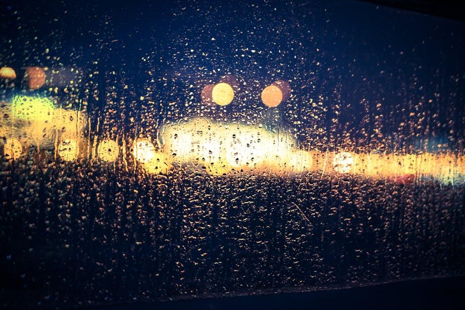 ความรัก ทำนาย สายฝน