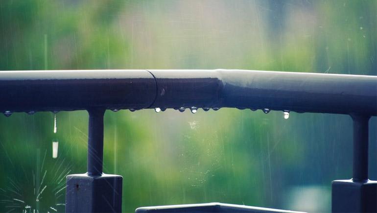 ทายใจ ฝนตก