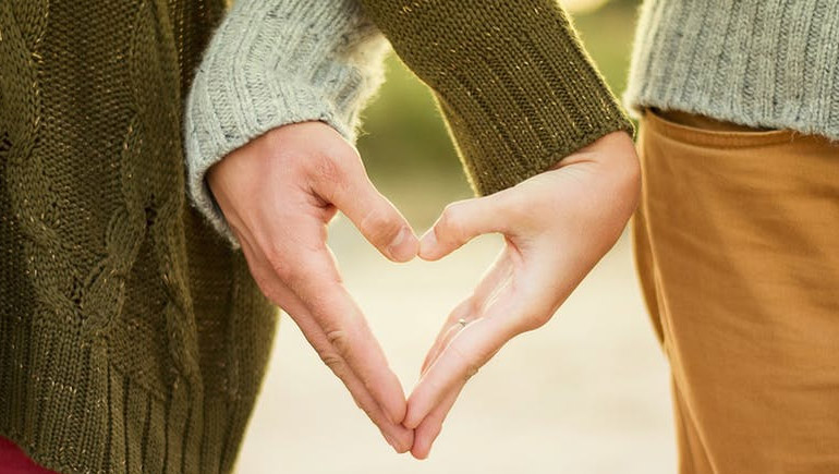 ความชอบ ความรัก แตกต่าง